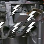 звуки и громкий стук мотора