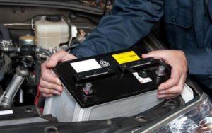 аккумуляторная батарея в машине